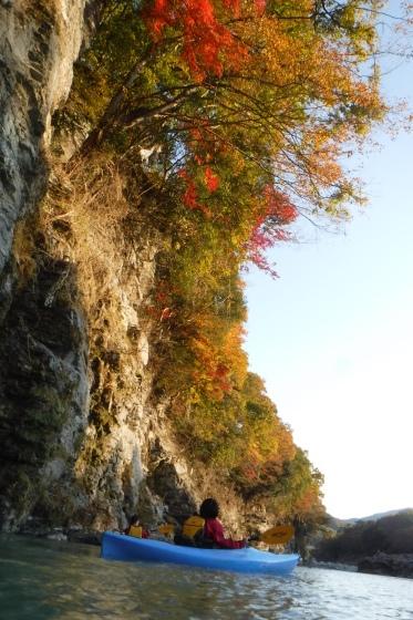 川の上から紅葉狩り_b0225495_21450763.jpg