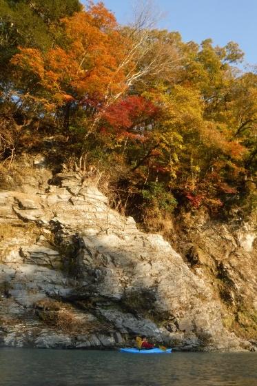 川の上から紅葉狩り_b0225495_21451559.jpg
