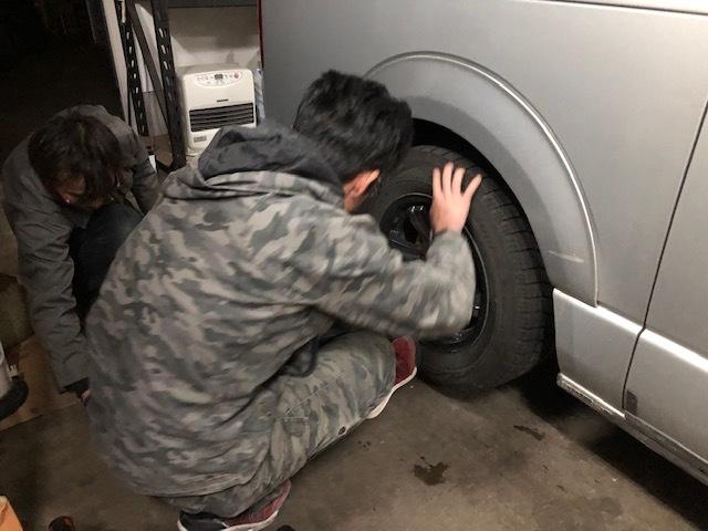 ★祝!ボルボV40御納車!!路面凍結注意!!タイヤ交換は、お済ですか?★(白石店)_c0161601_17443175.jpg