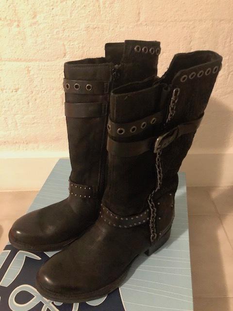 久々に靴の買い物!_b0253226_04412547.jpg