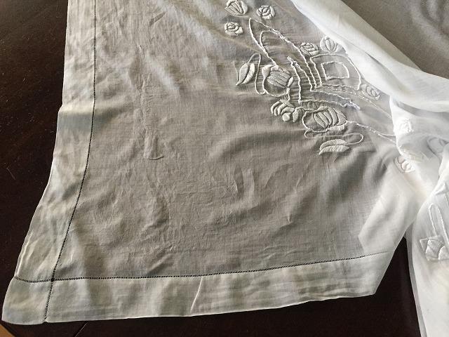 綿ローンのテーブルクロス314_f0112550_08425647.jpg