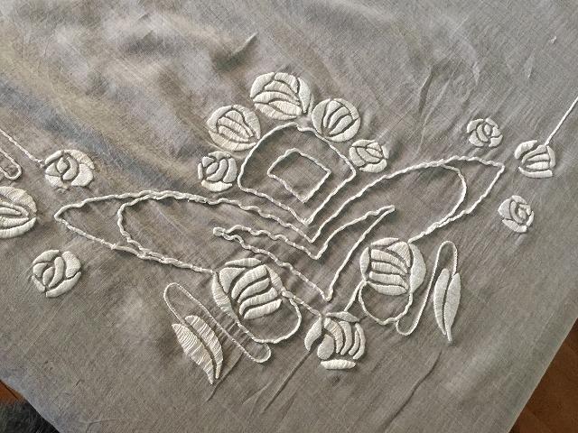 綿ローンのテーブルクロス314_f0112550_08425750.jpg