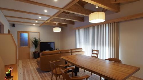 香川の家 取材が行われました。_e0064493_10455451.jpg