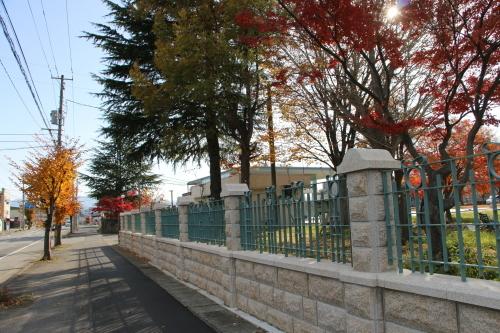 重文本館の朝の風景と午後の来客、2019.11.18_c0075701_19453472.jpg