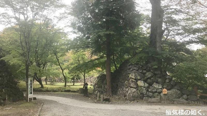 初秋の小諸「あの夏で待ってる」の舞台へ その03 懐古園そして西浦ダムは(R011021探訪)_e0304702_07424316.jpg