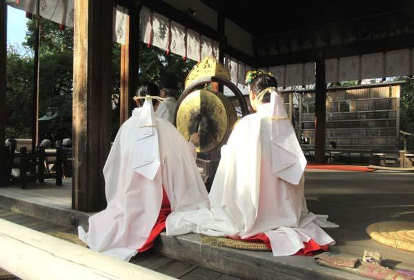お火焚き祭 御霊神社_e0048413_20054644.jpg