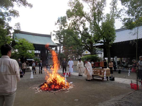 お火焚き祭 御霊神社_e0048413_20055482.jpg