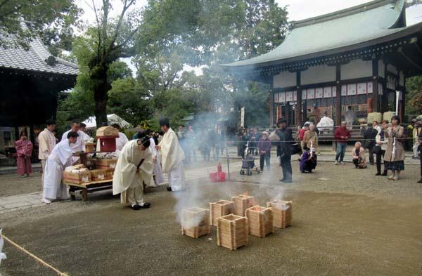 お火焚き祭 御霊神社_e0048413_20060130.jpg