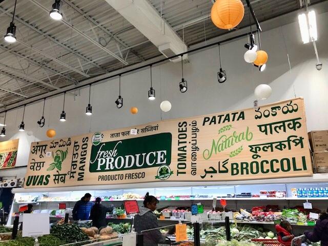 スーパーで買ったインドカレーで夕食 _d0269832_23154898.jpeg