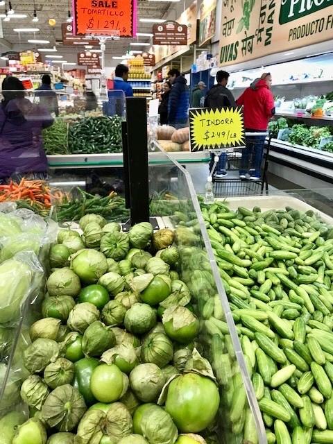 スーパーで買ったインドカレーで夕食 _d0269832_23160961.jpeg