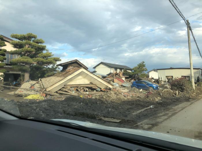千曲川決壊による台風19号の爪痕_f0070542_08195507.jpg
