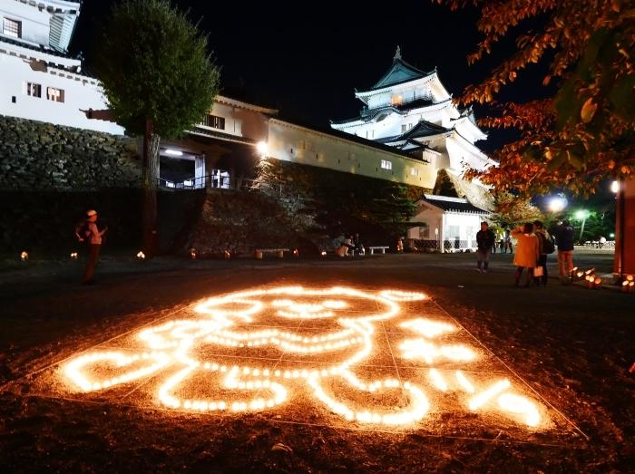 竹燈夜 お城 幻想的に  2019-11-20 00:00  _b0093754_21063285.jpg