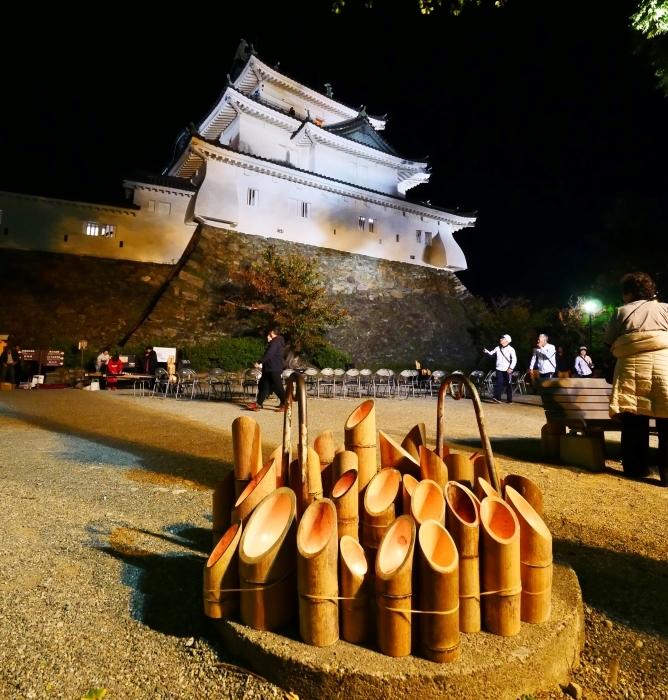 竹燈夜 お城 幻想的に  2019-11-20 00:00  _b0093754_21072142.jpg