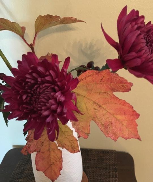 自画自賛の生け花に秋を感じる_e0350971_12002219.jpg