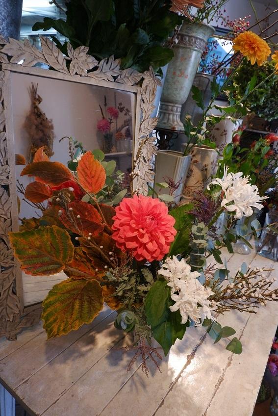 オークリーフ花の教室(須藤さんの作品)_f0049672_19165351.jpg