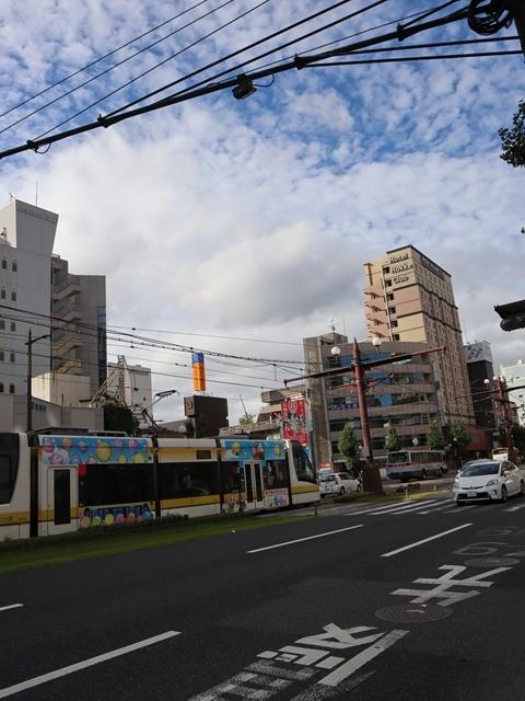 鹿児島市内を快走する可愛い路面電車、鹿児島の観光に路面電車が大活躍・・・観光都市にラッピング路面電車の楽しさ_d0181492_23305528.jpg