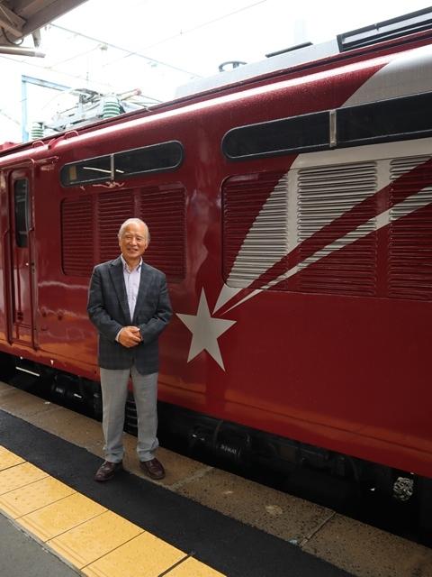 藤田八束の鉄道写真@青い森鉄道、JR青森駅でカシオペアに出逢い写真をゲット、リゾート列車が青森駅を素敵に演出するとき_d0181492_23521841.jpg
