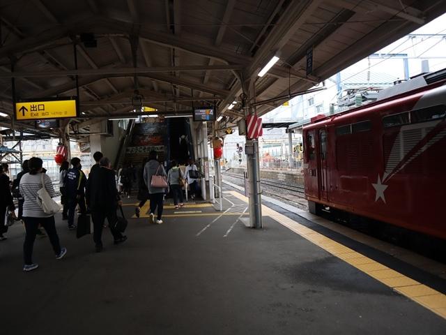 藤田八束の鉄道写真@青い森鉄道、JR青森駅でカシオペアに出逢い写真をゲット、リゾート列車が青森駅を素敵に演出するとき_d0181492_23523783.jpg
