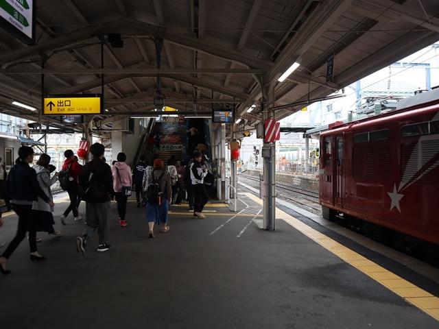藤田八束の鉄道写真@青い森鉄道、JR青森駅でカシオペアに出逢い写真をゲット、リゾート列車が青森駅を素敵に演出するとき_d0181492_23524131.jpg