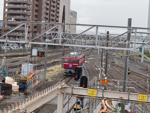 藤田八束の鉄道写真@青い森鉄道、JR青森駅でカシオペアに出逢い写真をゲット、リゾート列車が青森駅を素敵に演出するとき_d0181492_23532459.jpg