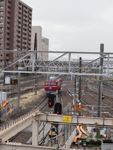 藤田八束の鉄道写真@青い森鉄道、JR青森駅でカシオペアに出逢い写真をゲット、リゾート列車が青森駅を素敵に演出するとき_d0181492_23533360.jpg