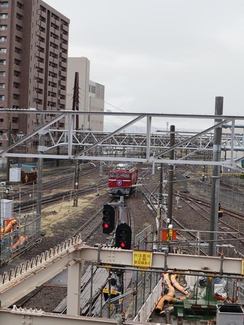 藤田八束の鉄道写真@青い森鉄道、JR青森駅でカシオペアに出逢い写真をゲット、リゾート列車が青森駅を素敵に演出するとき_d0181492_23534001.jpg