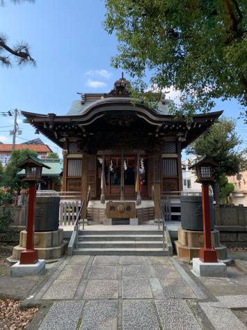 氏神様神社で、産土神社の諏訪神社。_a0112393_18444521.jpg