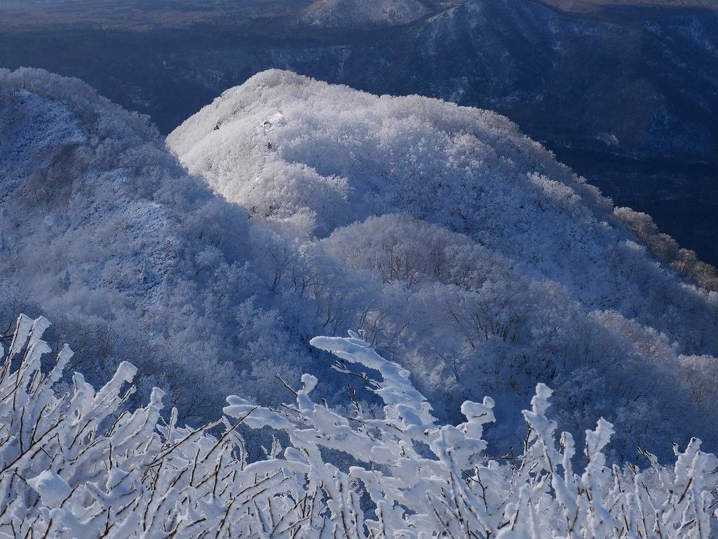 まるで厳冬期の風不死岳(1102m)、2019.11.17_f0138096_12161824.jpg