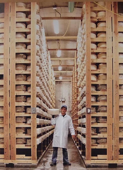ウェグマンズの美味しい自家製チーズ_b0007805_08052112.jpg