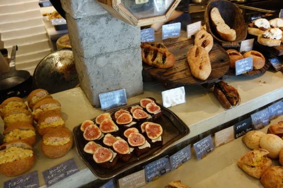 福岡2019 念願のパン屋のアマムダコタンさん_e0230011_17062266.jpg