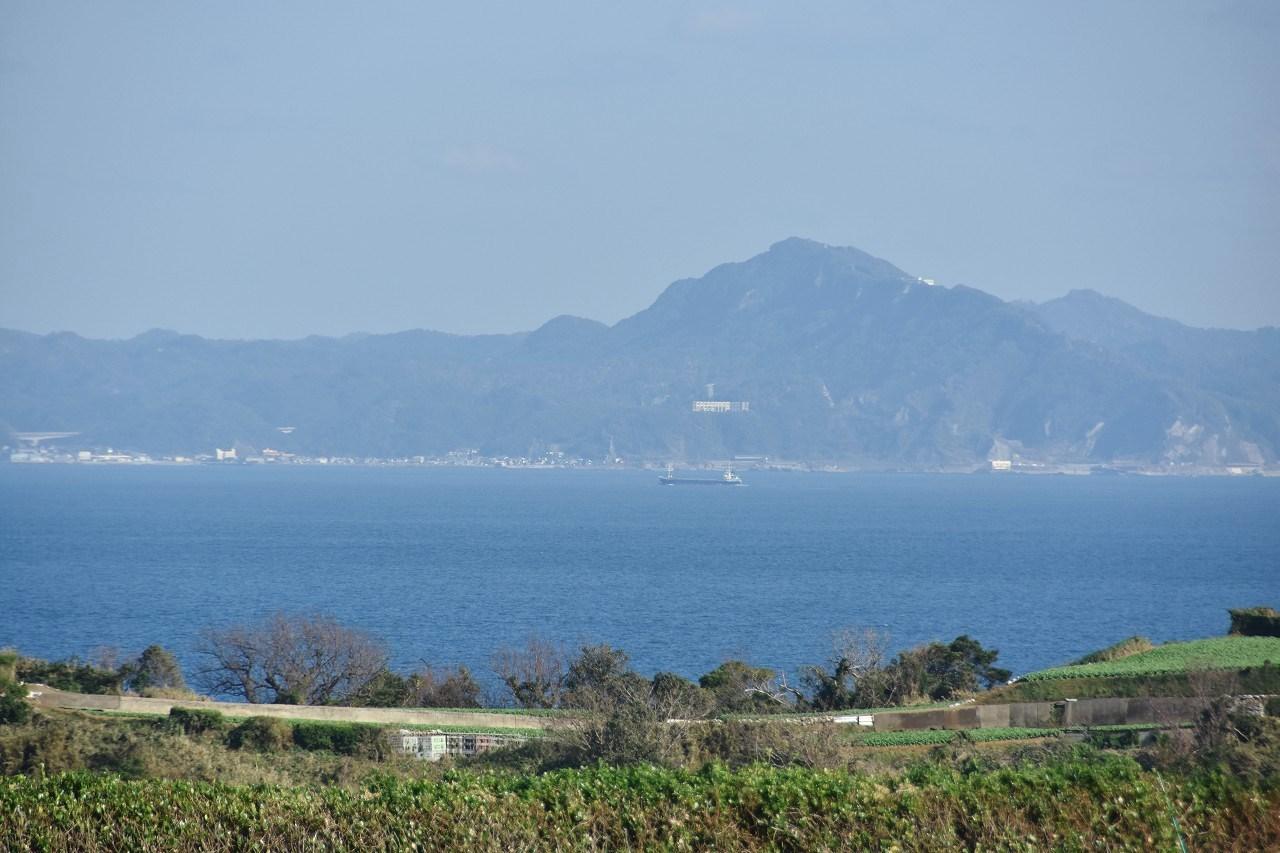 松輪の畑 東京湾をみおろして・・・_d0065116_22005753.jpg