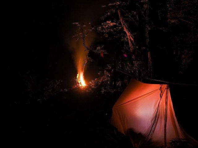 2019/9/25【奥美濃】行けども行けども金ヶ丸 ~ 深い森の闇を背に揺らぐ炎を見つめる ~_e0403837_22475215.jpg