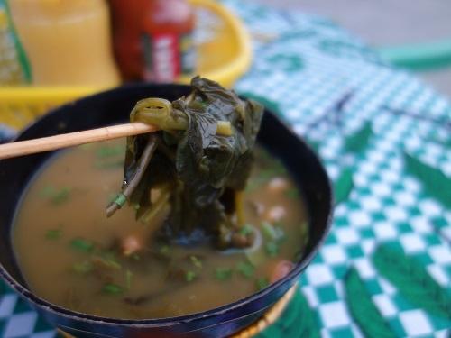 パラー州の郷土料理その1.痺れる葉っぱ入りのスープ、タカカ Tacacá_c0030645_09064805.jpg