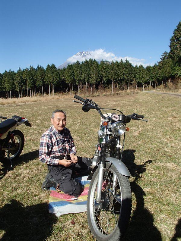 またまた富士山南麓の林道へ_f0119755_16123689.jpg