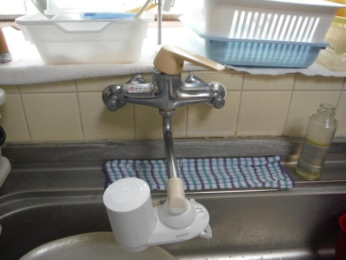 小工事 ~ キッチンと洗面台水栓取替え。_d0165368_03253531.jpg