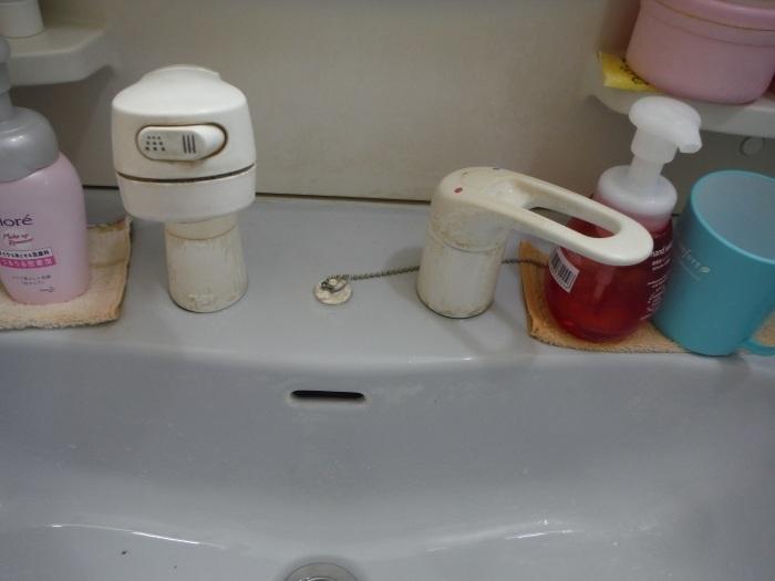 小工事 ~ キッチンと洗面台水栓取替え。_d0165368_03254641.jpg