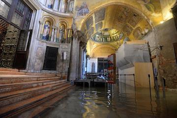 それでもヴェネツィアは美しい。~被害状況と支援について_c0339296_23345650.jpg