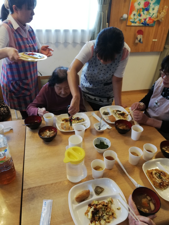 1F 家族食事交流会_f0376200_11084794.jpg
