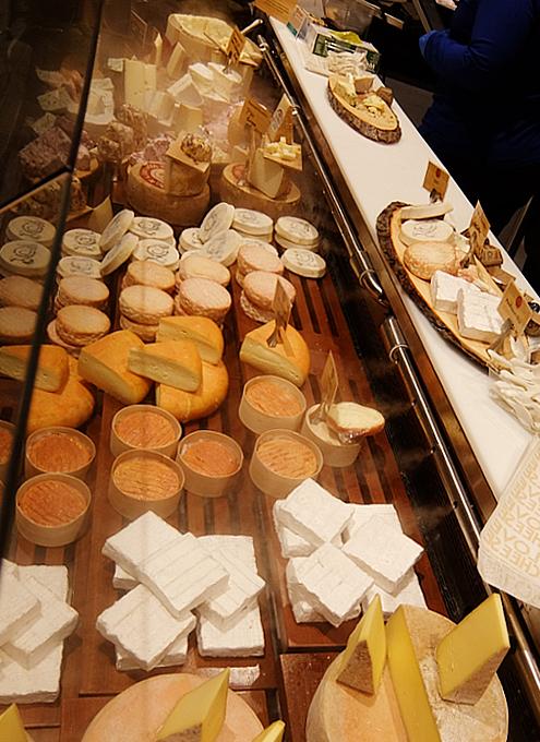 ウェグマンズのチーズ試食コーナーは「食」の体験型エンターテインメント_b0007805_03152720.jpg
