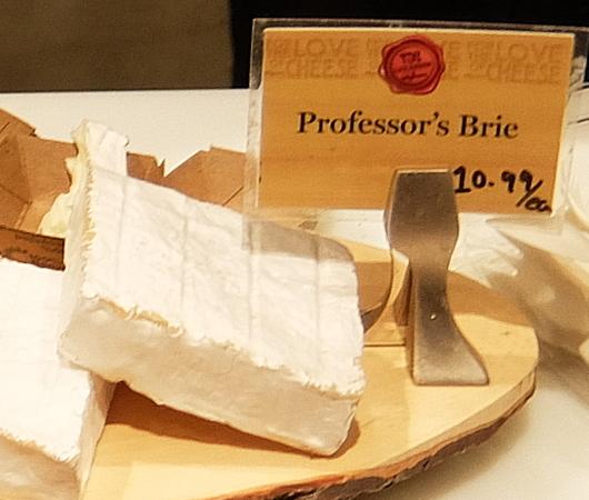 ウェグマンズのチーズ試食コーナーは「食」の体験型エンターテインメント_b0007805_03170660.jpg