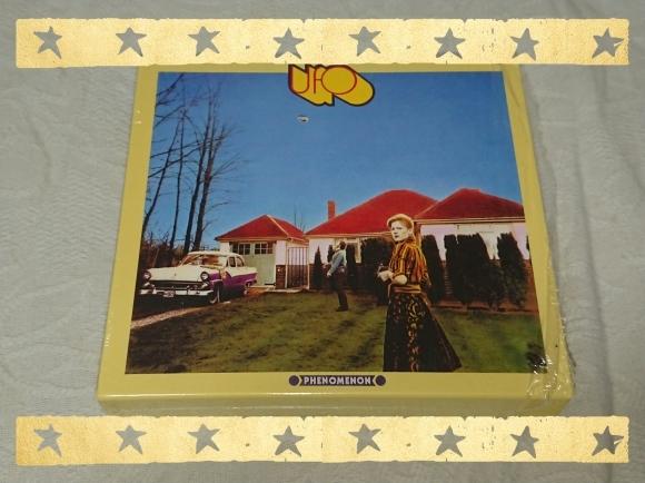 UFO / PHENOMENON Deluxe Edition_b0042308_10522864.jpg
