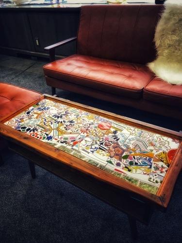 ハンドメイドのスペインタイル家具への提案_f0149716_22101159.jpeg