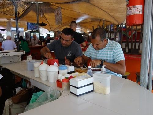 パラー州の郷土料理その2.本場のアサイー Açaí は激マズだった_c0030645_23044359.jpg