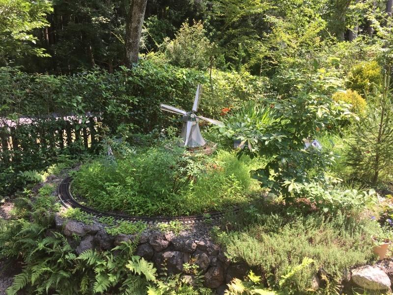 素敵な庭園で鉄道模型を楽しむガーデンレイルウェイ・カフェ。_d0367998_09495424.jpeg