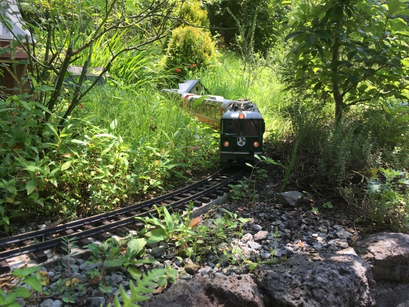 素敵な庭園で鉄道模型を楽しむガーデンレイルウェイ・カフェ。_d0367998_09502674.jpeg