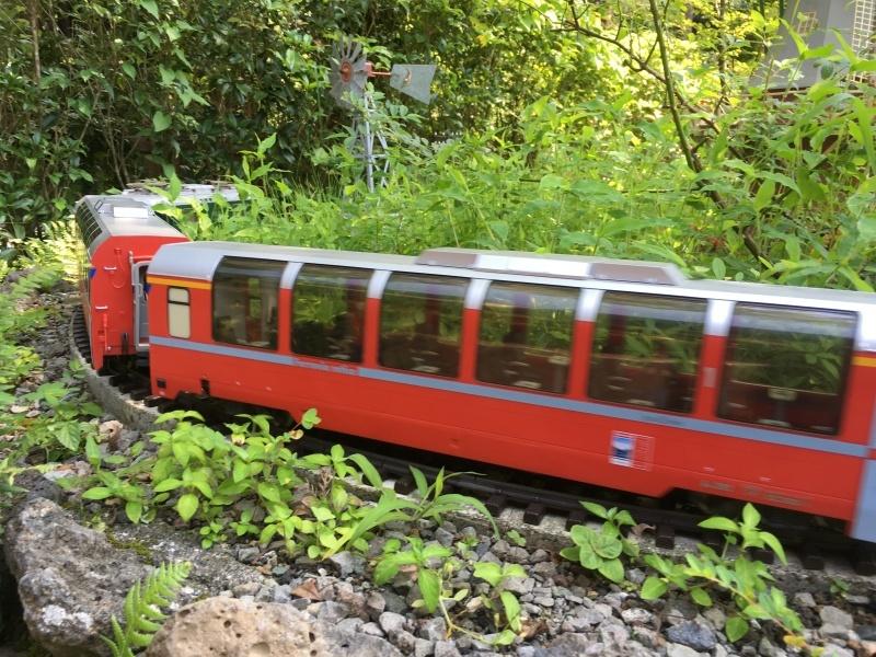 素敵な庭園で鉄道模型を楽しむガーデンレイルウェイ・カフェ。_d0367998_09504614.jpeg