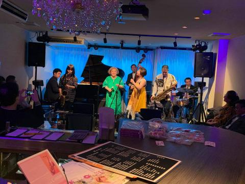 広島 ジャズライブカミン  Jazzlive Comin 本日は貸し切り営業です。_b0115606_11375411.jpeg