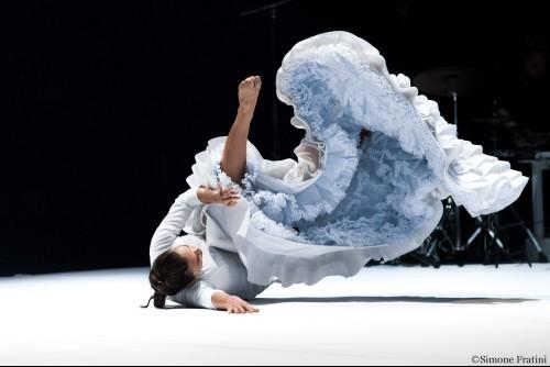 明日11月23日より先行発売!ロシオ・モリーナ舞踊団 Fallen from Heaven ―天から落ちてきて―_b0142724_22155146.jpg