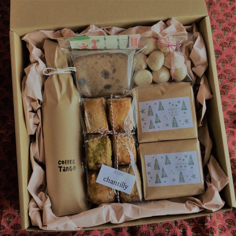 クリスマスボックス2019_b0241033_14164088.jpg