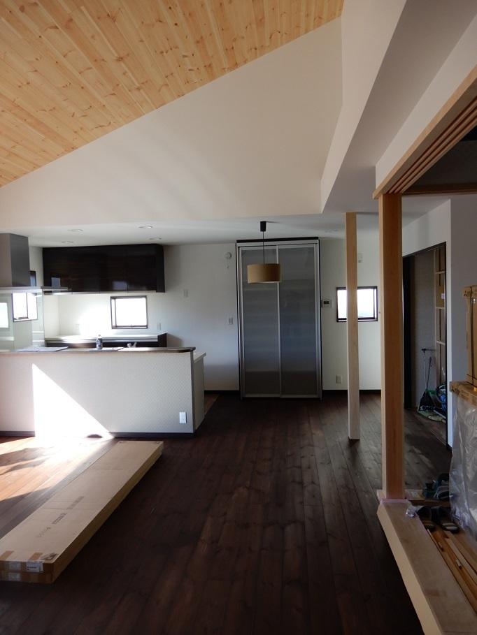 伊那市の設計事務所の家づくり  開放的なリビングがある家「工事監理 建具工事」 _b0146238_22460854.jpg